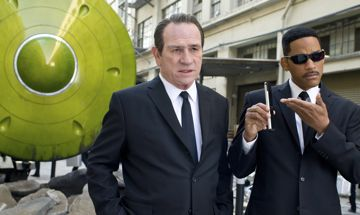 Tommy Lee Jones and Will Smith in Men in Black 3