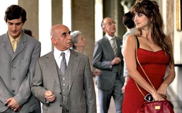 Penélope Cruz plays a hooker in Woody Allen movie
