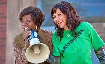 In Won't Back Down Viola Davis and Maggie Gyllenhaal lead protesting parents