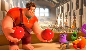 Wreck-It Ralph hands out prizes in Game Central Station