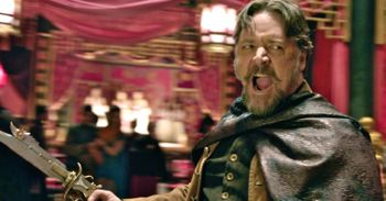 In The Man WIth the Iron Fists Russell Crowe wields a pistol-knife