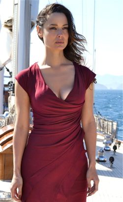 Skyfall's Berenice Marlohe lures 007 onto a boat