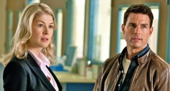 Jack Reacher's Rosamund Pike and Tom Cruise stare out window