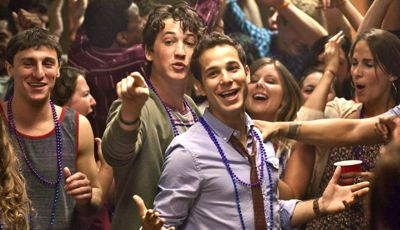 21 & Over's Skylar Astin and Miles Teller party in bar