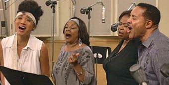 Judith Hill, Merry Clayton and Walters Family sing into mikes