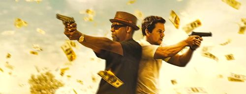 2 Guns' Denzel Washington and Mark Wahlberg fire guns standing back to back