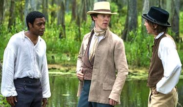 12 Years' Benedict Cumberbatch stands between Chiwetel Ejiofor and angry Paul Dano