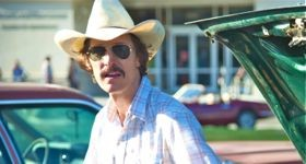 Dallas Buyer's Club's Matthew McConaughney sports white cowboy hat