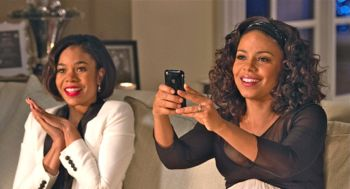 Regina Hall & Sanaa Lathan take photos