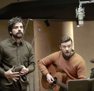 Oscar Isaac and Justin Timberlake play in music studio