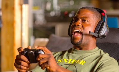 Ride Along's Kevin Hart plays video game