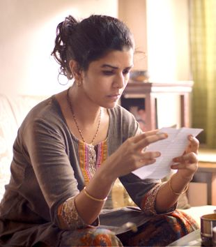 Lunchbox's Nimrat Kaur reads letter in living room
