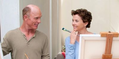 Face of Love's Ed Harris and Annette Bening paint on a canvass