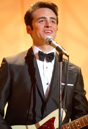 Jersey Boys' Vincent Piazza sings and plays guitar