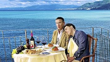 Trip to Italy's Steve Coogan and Rob Brydon relax after seaside meal