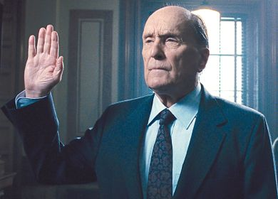 Robert Duvall's Judge takes oath on witness stand