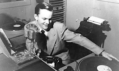 Bob Crane broadcasts in KNX radio booth