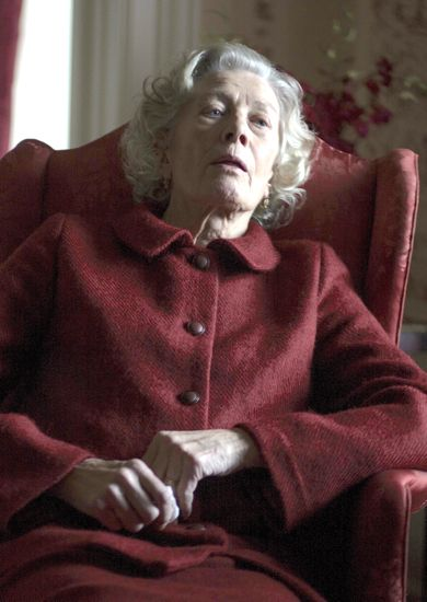 Foxcatcher's Vanessa Redgrave rests in large chair