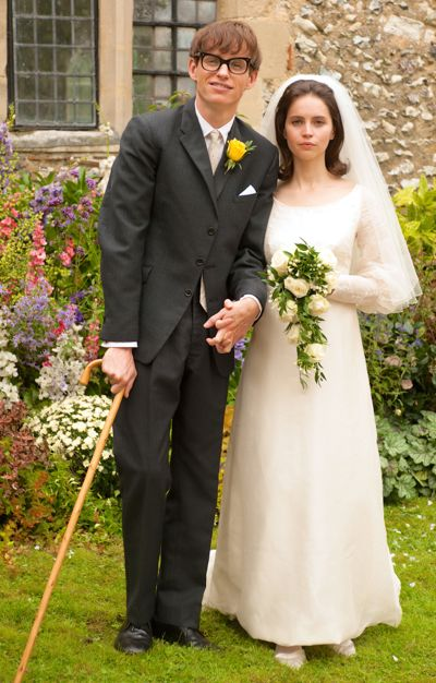 Theory of Everything's Eddie Redmayne and Felicity Jones pose in wedding garb