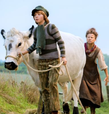 Into the Woods' Tracey Ullman sends Daniel Huttlestone off with white cow