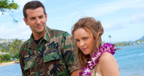 Aloha's Bradlay Cooper and Rachel McAdams share moment on Hawaiian beach