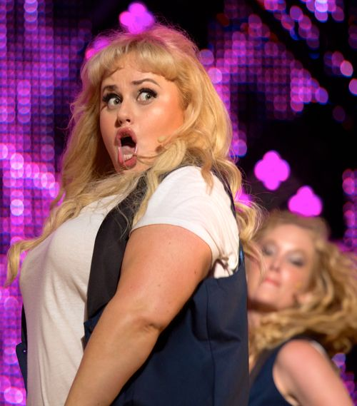 Pitch Perfect 2's Rebel Wilson belts out song on stage