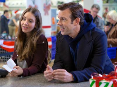 Sleeping With Other People's Jason Sudeikis, Alison Brie shop at department store counter