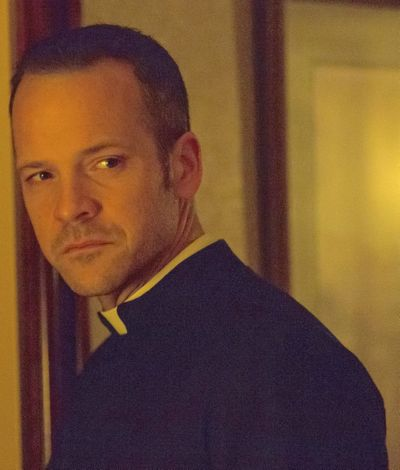 Pawn Sacrifice's Peter Sarsgaard as Catholic priest looks to his left