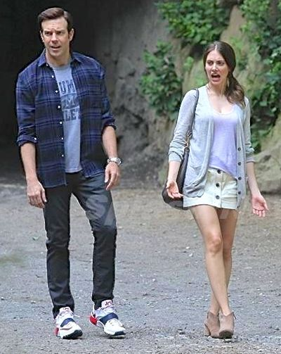 Sleeping With Other People's Jason Sudeikis and Alison Brie walk and talk in NY's Central Park