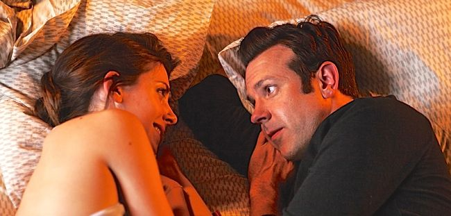 Sleeping With Other People's Jason Sudeikis, Alison Brie talk while lying in bed