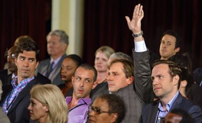 Big Short's Steve Carell raises hand in crowded assembly room