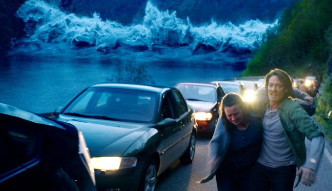The Wave's Roar Uthaug races past stalled cars to highground as a tsumani heads toward him