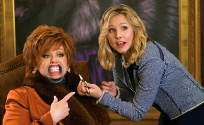 The Boss' Kristen Bell whitens Melissa McCarthy's teeth