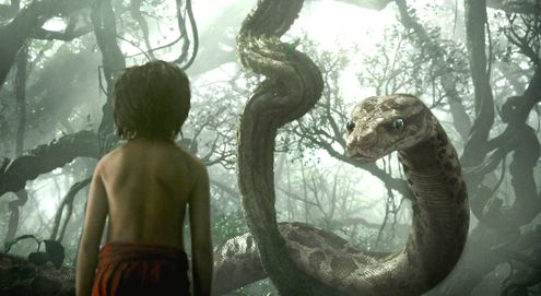 Jungle Book's Neel Sethi stands mesmerized by python Kaa (Scarlett Johansson)