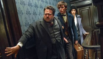 Fantastic Beasts' Eddie Redmayne, Katherine Waterston, Dan Fogler creep along narrow wallpapered corridor